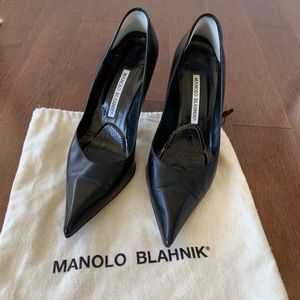 Manolo Blahnik Black Classic Pointy Stilettos US 7
